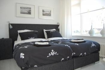 pension 39 t hofje noordwijk aan zee. Black Bedroom Furniture Sets. Home Design Ideas