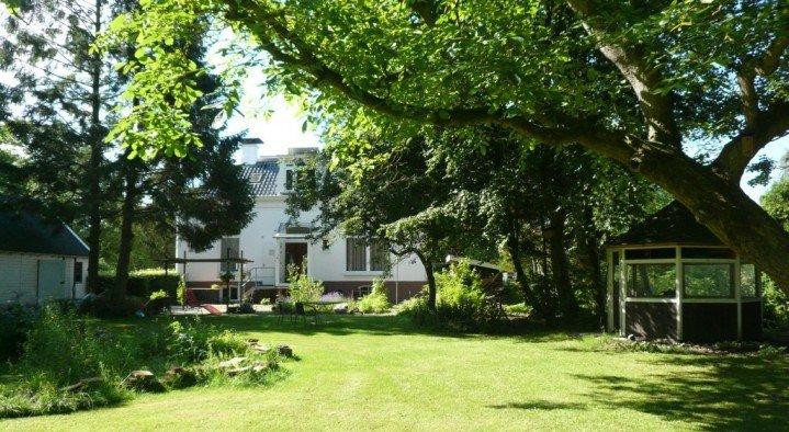 Het tuinhuis, Ulrum : Boek online : Bed and Breakfast Nederland