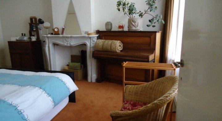B b art deco den haag boek online bed and breakfast nederland - Deco slaapkamer volwassene ...