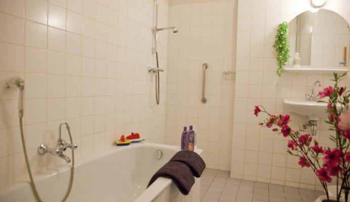 Design Badkamers Utrecht : Appartement the happiness place utrecht bedandbreakfast.nl