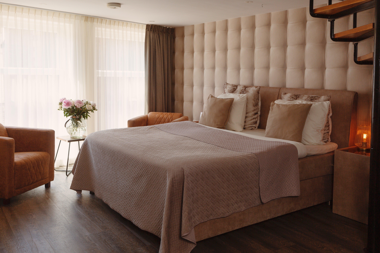 city attic haarlem haarlem. Black Bedroom Furniture Sets. Home Design Ideas